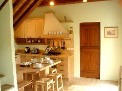 The fully equipped, modern kitchen